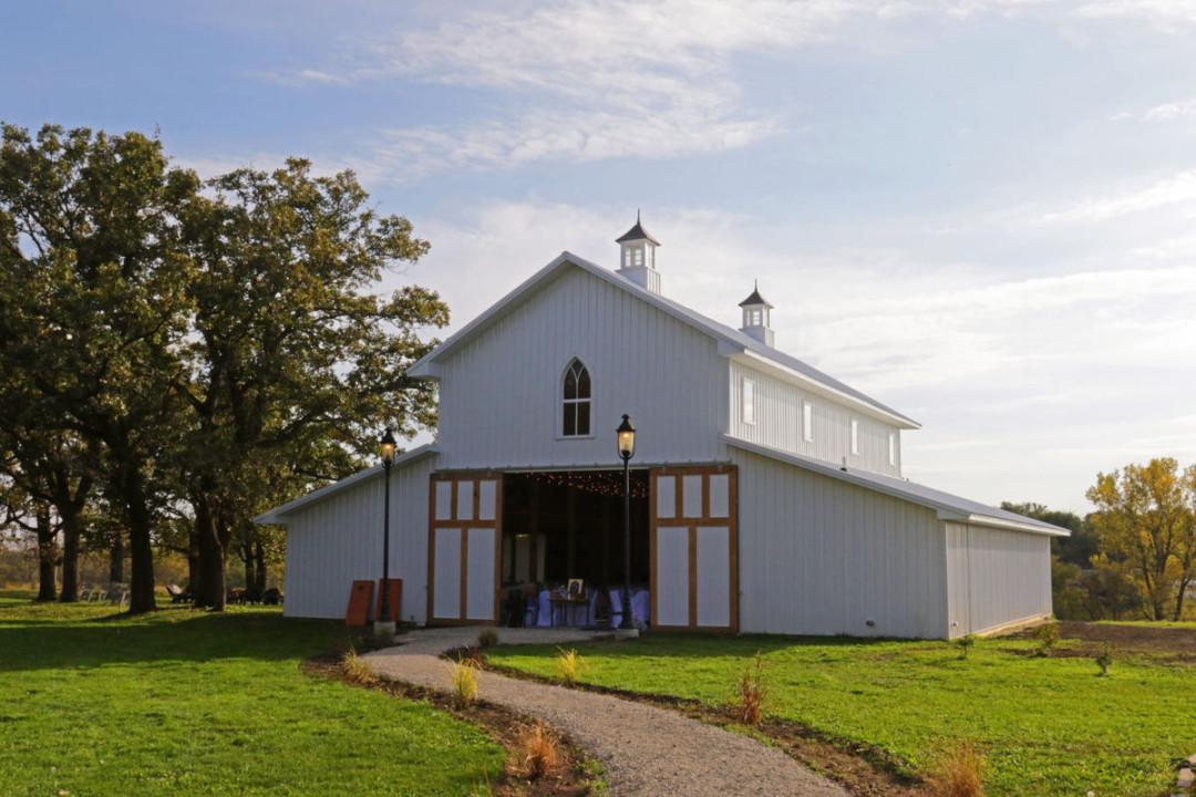 Diamond Oak Is Open For Weddings